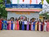 Tập thể CB-GV-NV lễ kỷ niệm 10 năm ngày mang tên trường TH Nguyễn Đức Thiệu